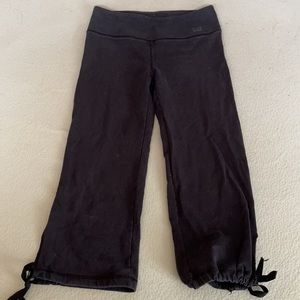 2/$30 - Size S - Tommy Yoga - capri length